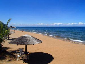 マラウイ湖 ビーチ